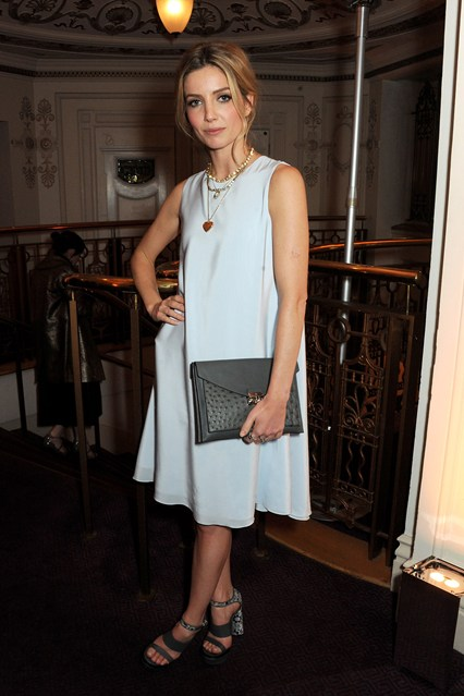 annabelle-wallis-british-fashion-awards-3dec13-getty_426x639